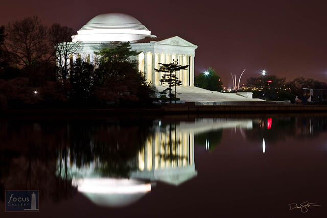 Jefferson and US Air Force Memorials at Night