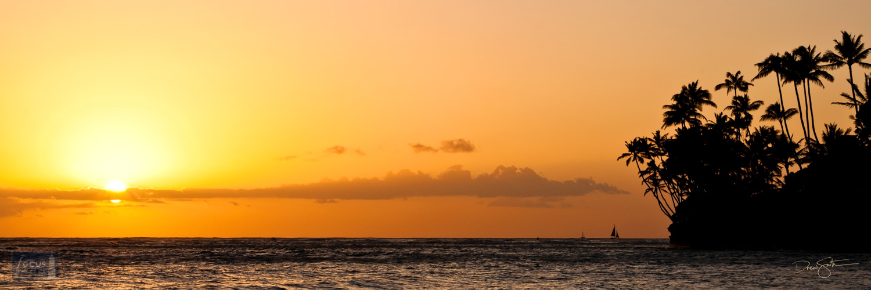 Sunset over the Pacific Ocean near Diamond Head, Waikiki, O'ahu